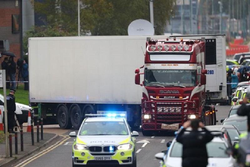 英国警方确认39名货车遇难者身份
