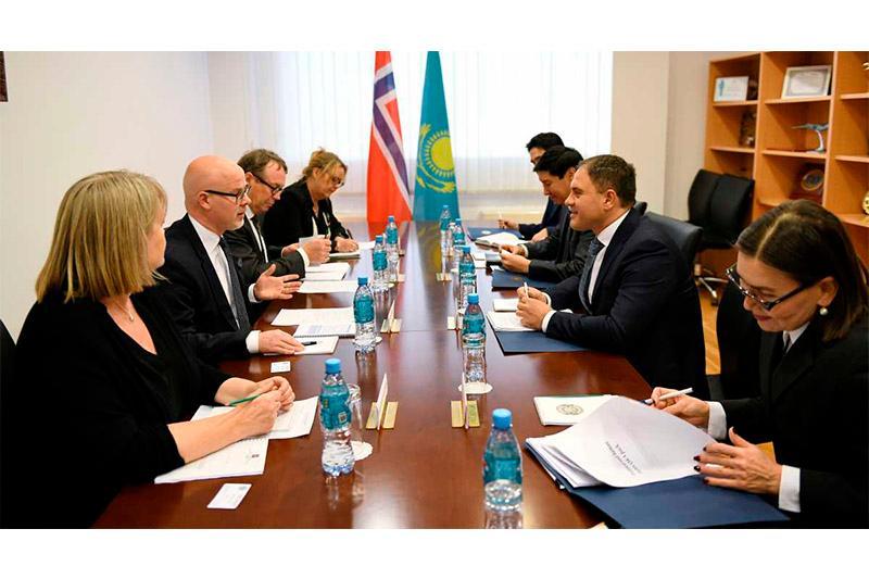 哈萨克斯坦-挪威外交部磋商会议在首都举行