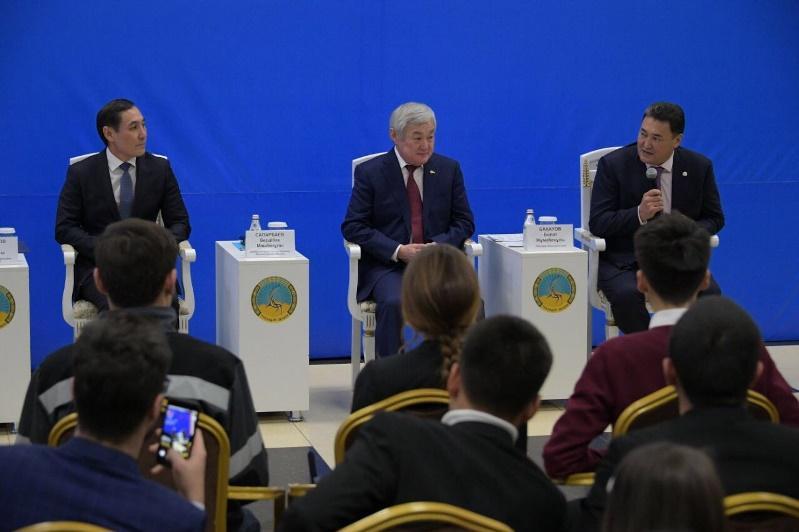 Бердибек Сапарбаев: Жилье для работающей молодежи должны строить в каждом областном центре