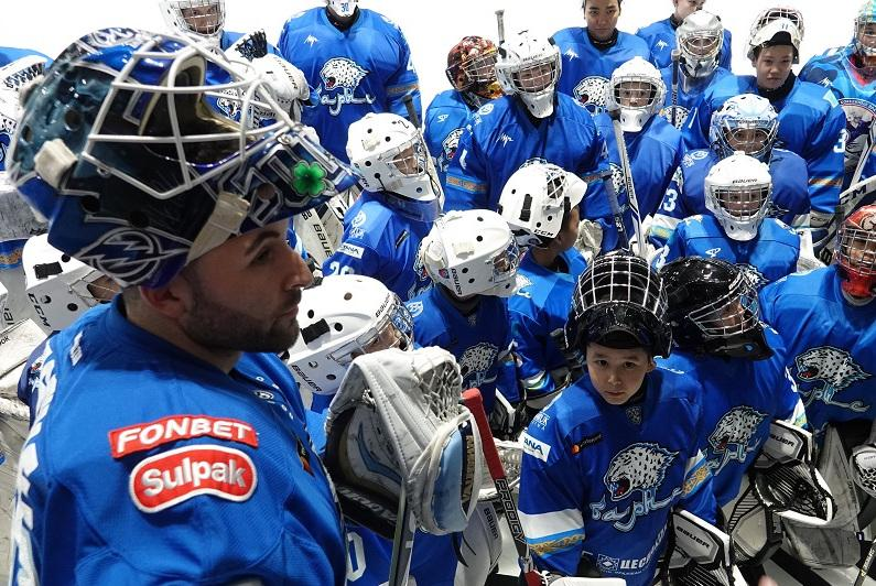 Barys goalie Pasquale holds master class for young talents