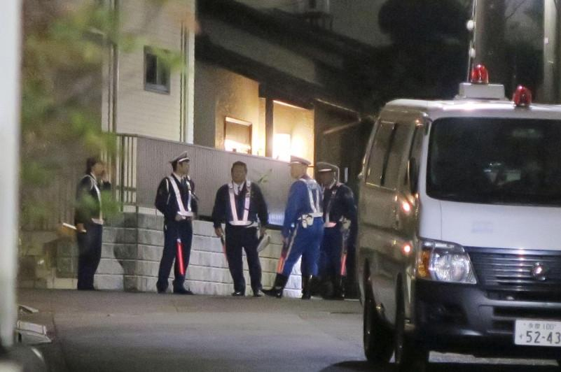 Man fatally stabbed in apparent robbery in suburban Tokyo
