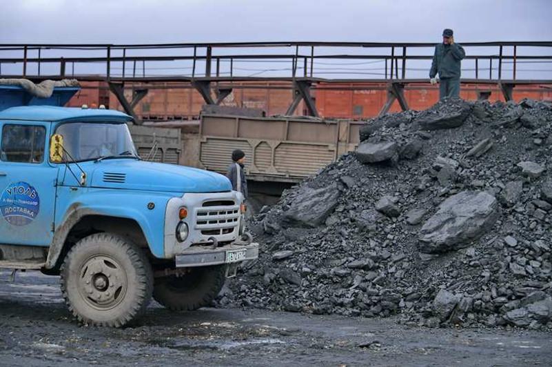 Жителям Павлодарской области рекомендуют запастись углем до наступления холодов