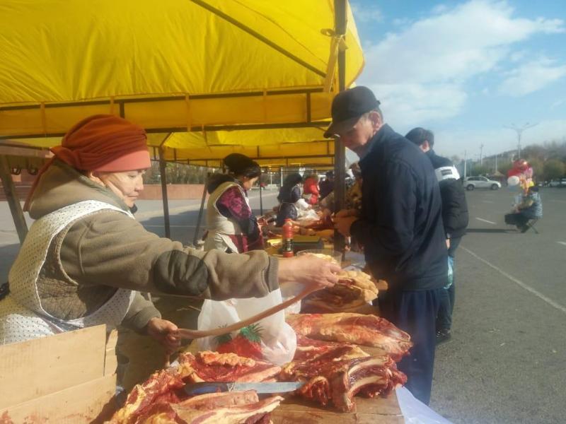 Более трехсот тонн сельхозпродукции привезли в Тараз жамбылские аграрии