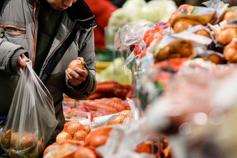 Цены на продукты выросли за год почти на 10% в Казахстане
