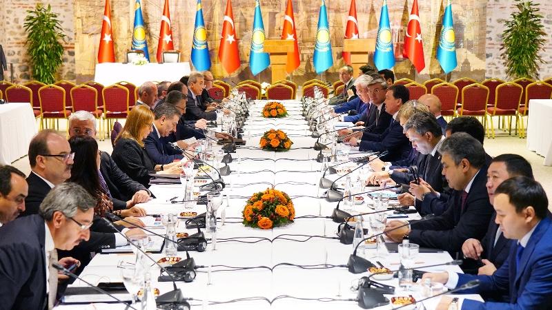 政府总理出席哈土政府间委员会第六次会议