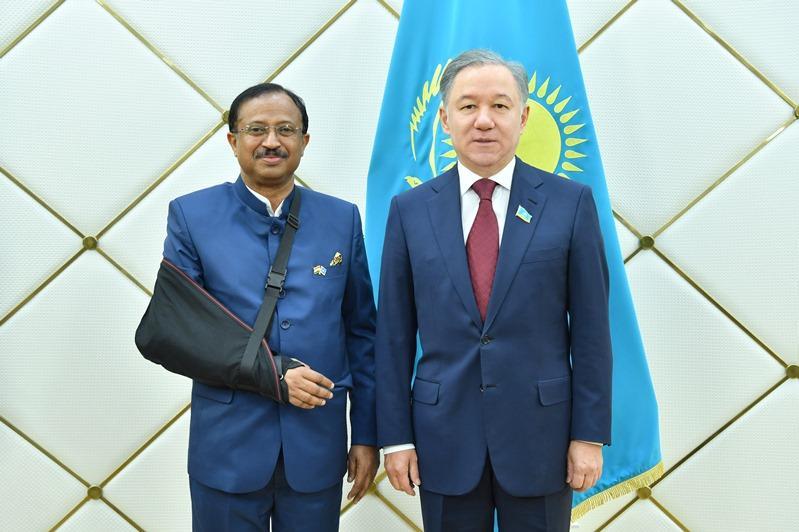 Нурлан Нигматулин принял государственного министра иностранных дел Индии