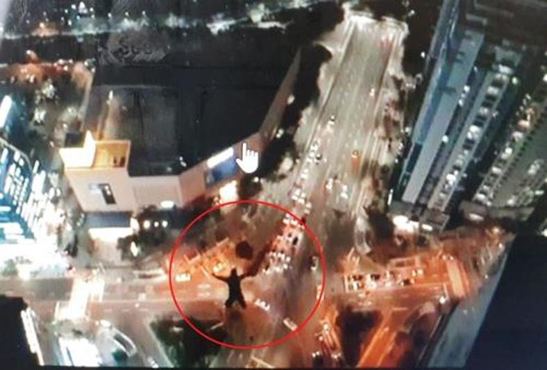 Two Russians under police probe for jumping off skyscrapers in S Korea