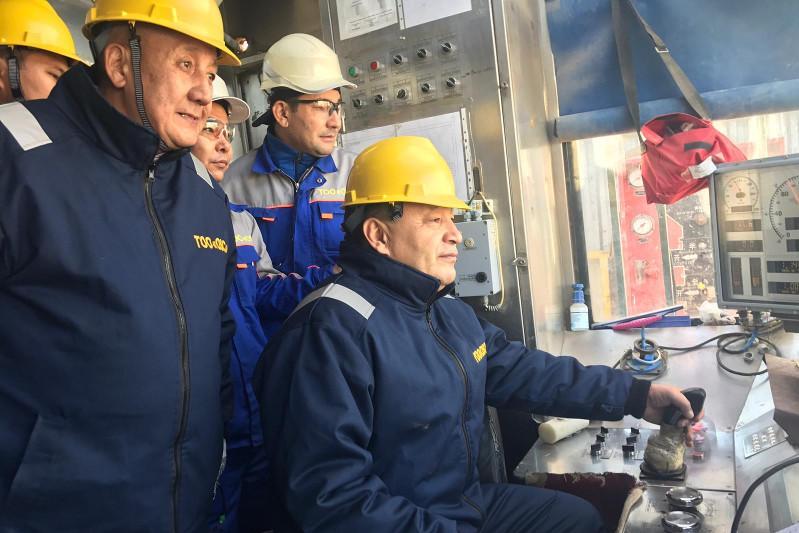 Ералы Тугжанов встретился с работниками крупных предприятий Мангистауской области