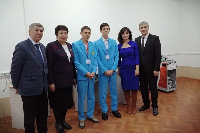 Свои проекты представила молодежь Акмолинской области Марату Азильханову