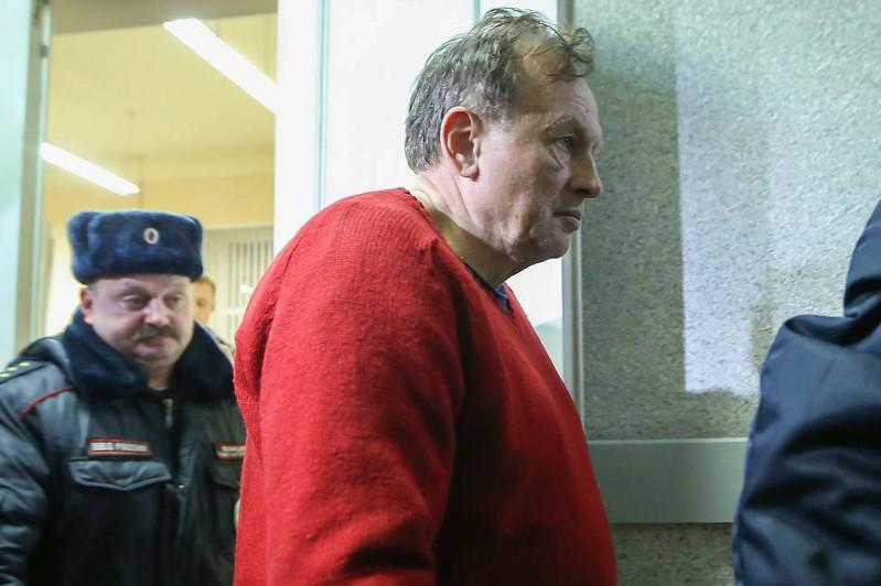 Russian university lector admits student lover murder after arms found in bag