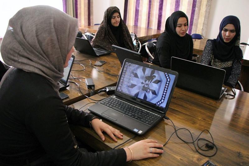 阿富汗女学生教育计划启动仪式在布鲁塞尔举行