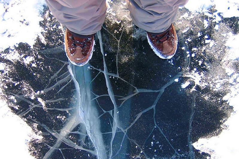 Как спастись, если вы провалились под лед