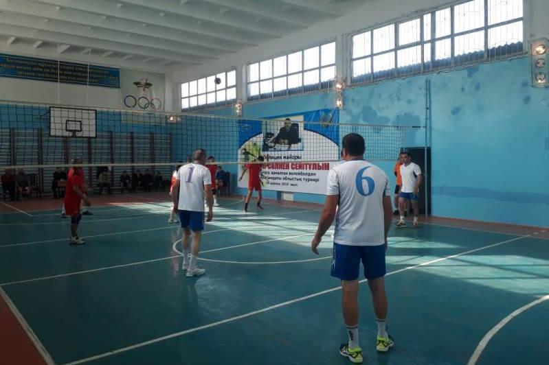Түркістан облысында полицейлер арасындаволейболдан турнир өтті