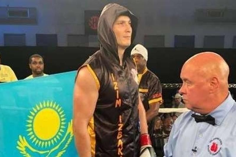 Непобежденный казахстанский супертяж узнал дату следующего боя в профи