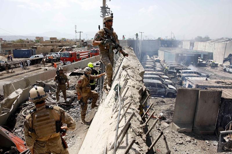 阿富汗首都自杀式袭击造成7人死亡