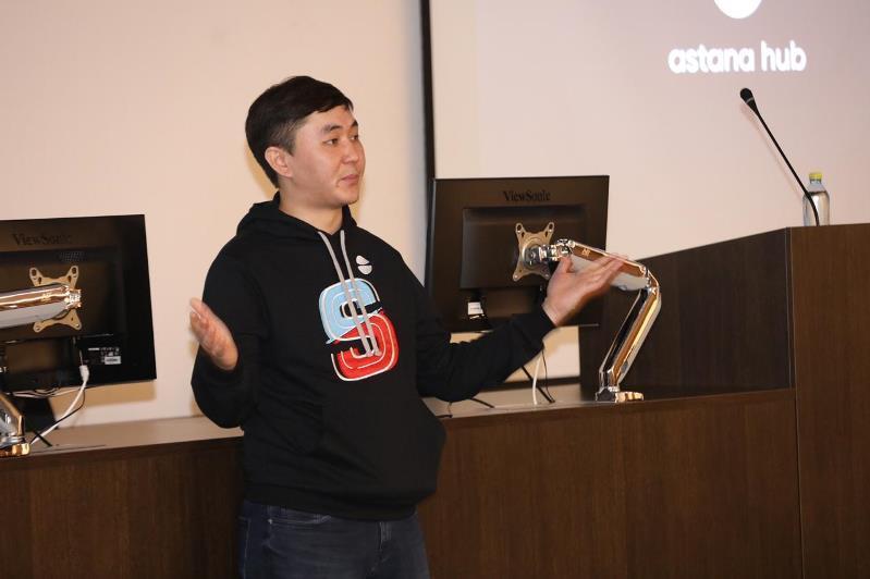 Astana Hub óńirlerdegi jas kásipkerlerdiń biliktiligin arttyrmaq