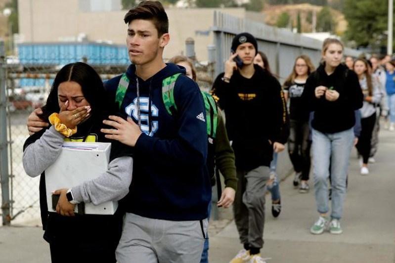 美国加州一高中发生枪击案致2死4伤