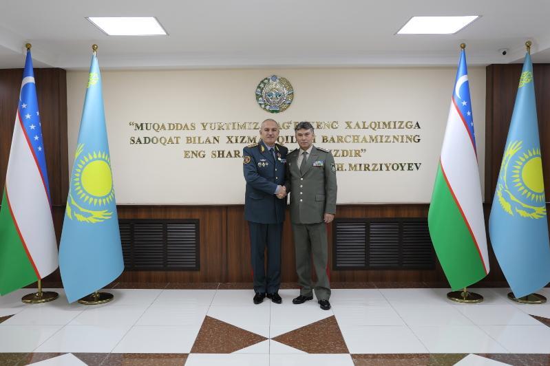 Узбекистан готов закупить у Казахстана военные тренажеры отечественного производства