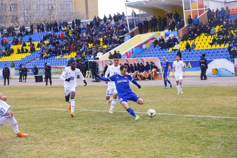 Футбол: «Ақжайық» пен «Тараз» тең тарқасты