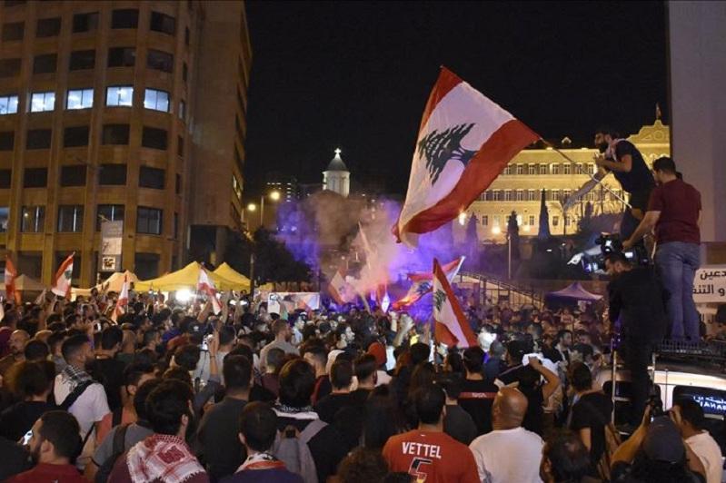 Mass protests continue in Lebanon despite gov't reforms
