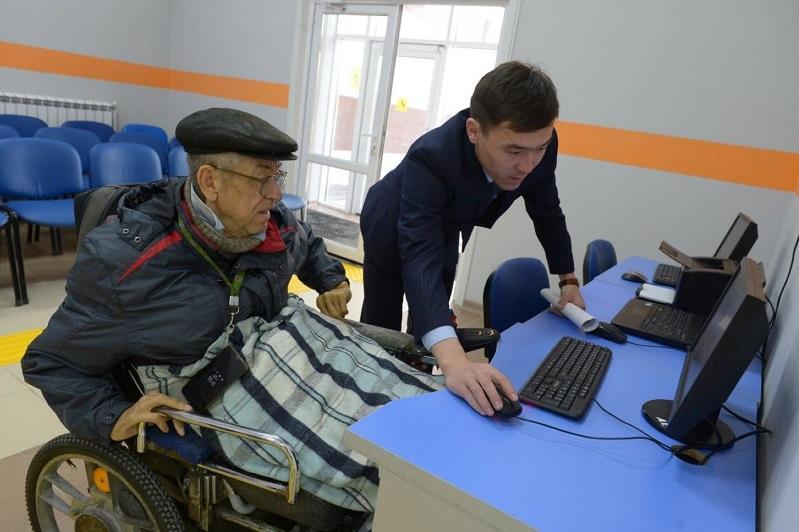 Павлодарские инвалиды заявили об ущемлении прав при покупке онлайн-билетов на поезд