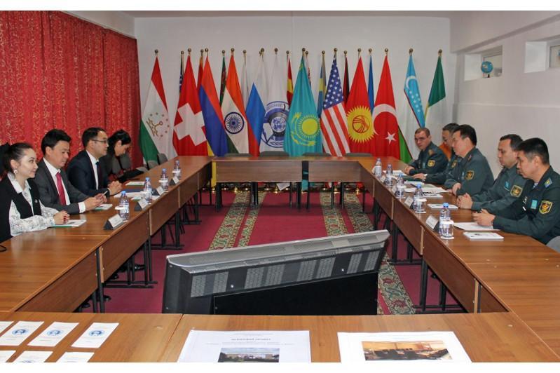 Казахстанские миротворцы прошли тренинг Красного Креста