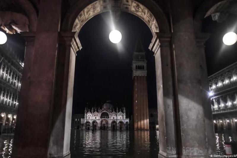 Большая вода: власти Италии объявили о сборе пожертвований для Венеции