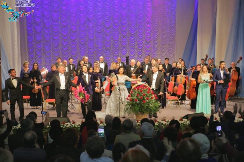 ШҚО-да Нұржан Бажекеновтың алғашқы жеке концерті өтті