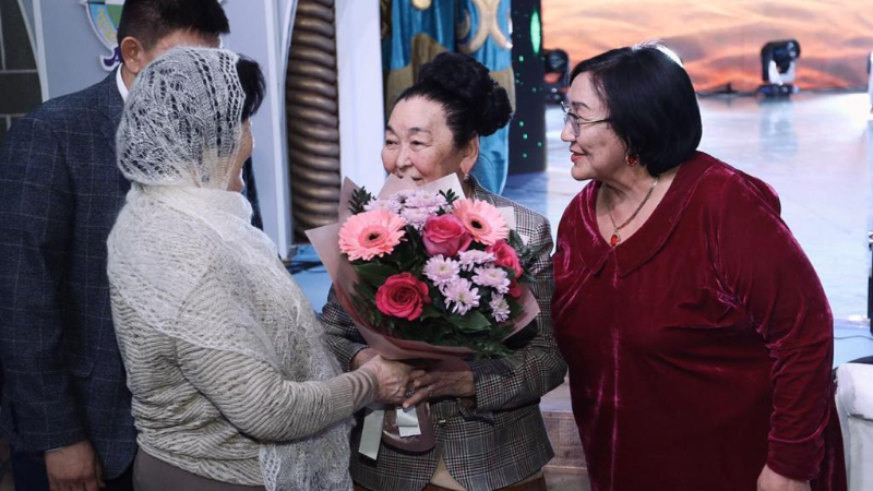 В Атырау продолжаются чествования Абиша Кекилбаева
