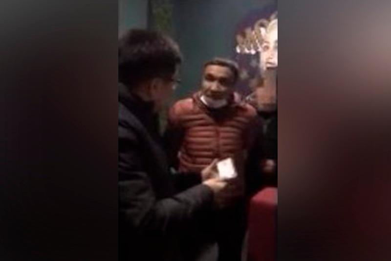 Мошенник с поддельным удостоверением Антикорслужбы задержан в Алматы