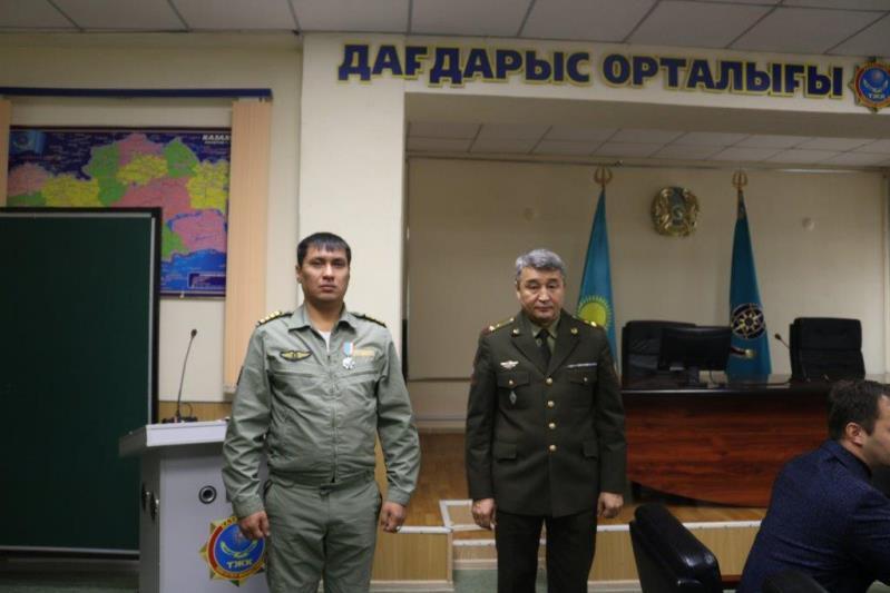 В ВКОнаградили предотвратившего падение вертолетакомандира воздушного судна «Казавиаспас»