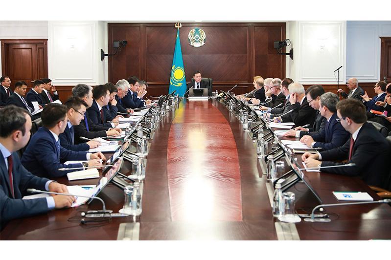 Аскар Мамин провел заседание Совета по улучшению инвестиционного климата