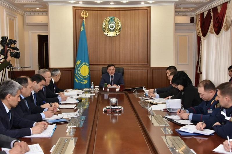 Итоги рабочей поездки Главы государства в Акмолинскую область обсудили в акимате