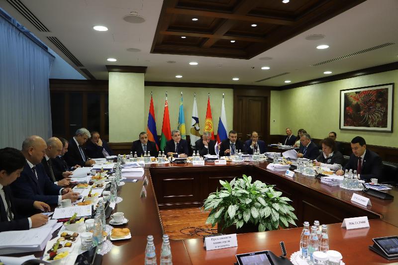 哈萨克斯坦财政部长出席欧亚经济委员会会议例行会议