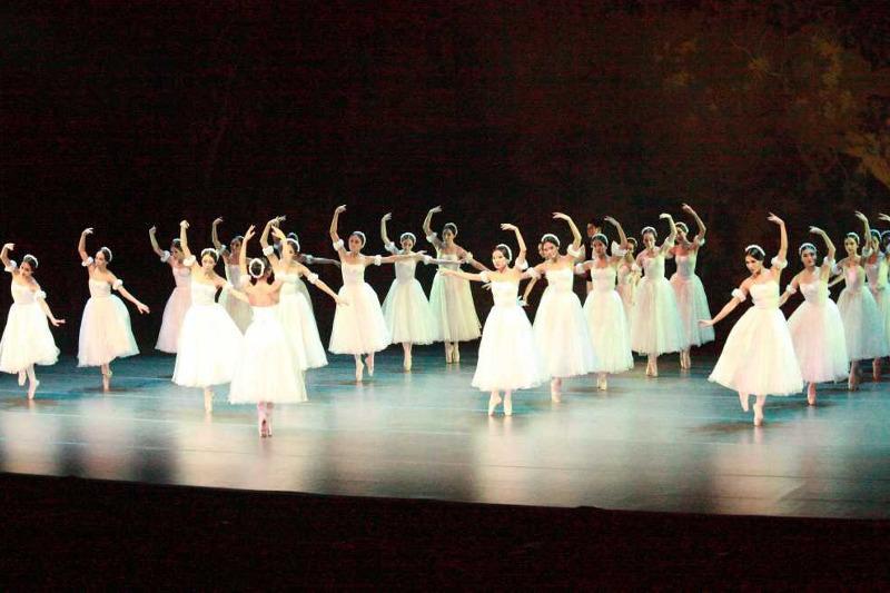 哈萨克斯坦芭蕾舞团在伦敦演出