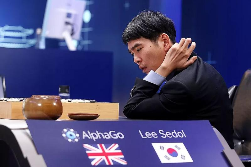 Go master Lee Se-dol, the only human to beat AI AlphaGo, retires
