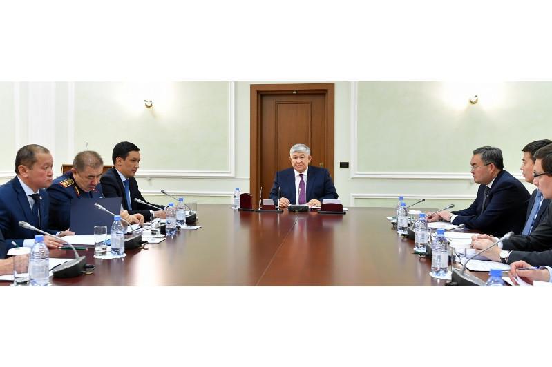 今年共有1084名外国公民申请加入哈萨克斯坦国籍