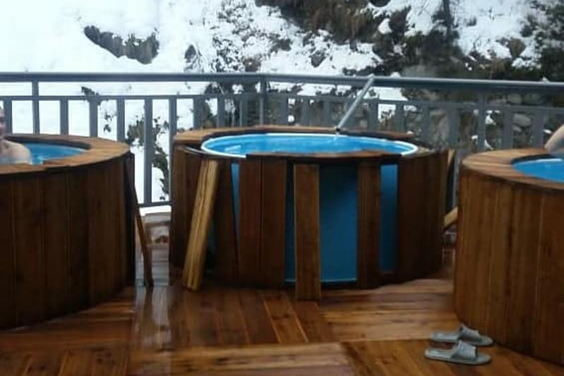 Туристы разрушили «сероводородный» источник в Иле-Алатауском нацпарке
