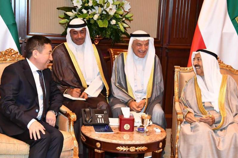 哈萨克斯坦大使向科威特埃米尔递交国书