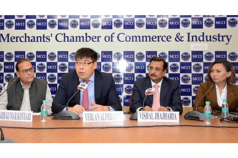 哈萨克斯坦与印度进一步发展双边关系