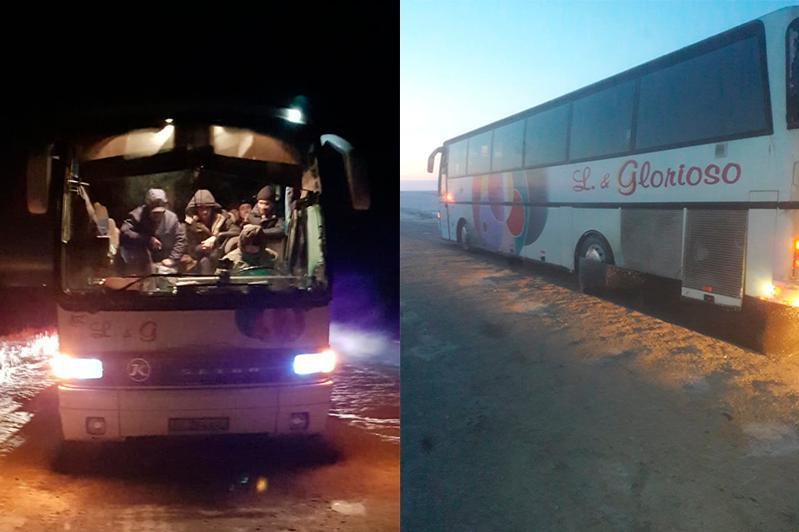 Два автобуса с 57 пассажирами сломались в Павлодарской области