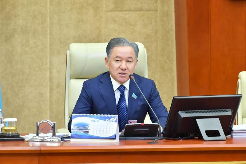 Нурлан Нигматулин: Дефицит железнодорожных билетов – важный вопрос для каждого казахстанца