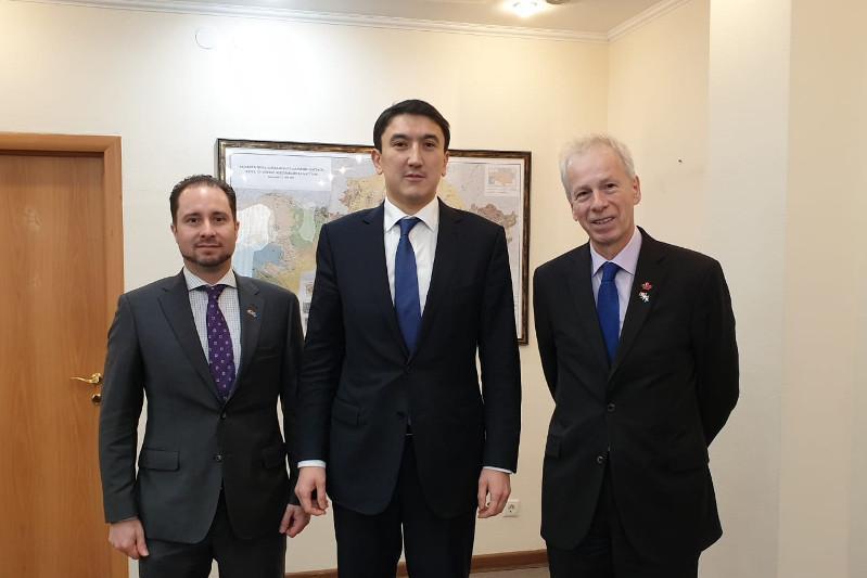 Канадских инвесторов пригласили к участию в геологоразведке в Казахстане