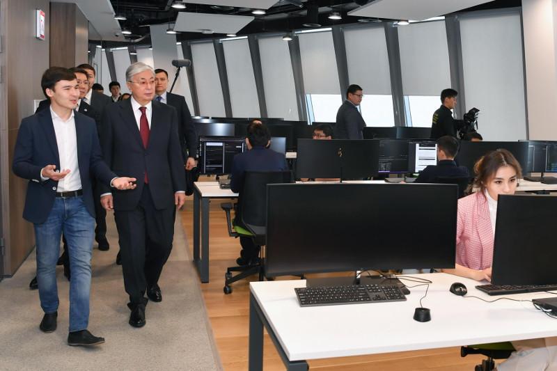 托卡耶夫总统了解首都创新生态系统发展情况