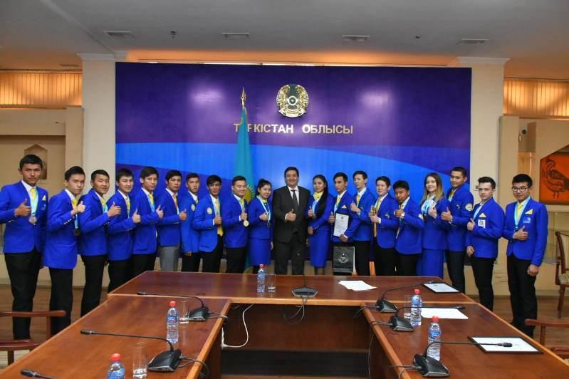 «WorldSkills Kazakhstan-2019» chempıonatynda top jarǵan túrkistandyqtar marapattaldy