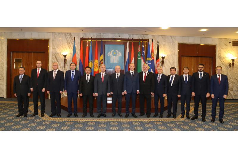 哈斯莫夫出席独联体安全会议秘书第7次会议