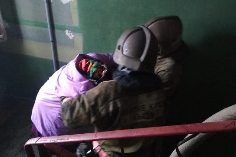 32 человека эвакуированы во время пожара в Степногорске