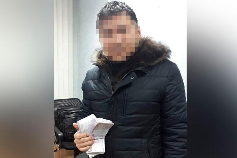Похитившего 250 тысяч евро сотрудника банка в Костанайской области задержали в Челябинске