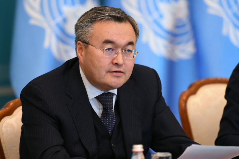 哈萨克斯坦外长在外交部听取公民诉求