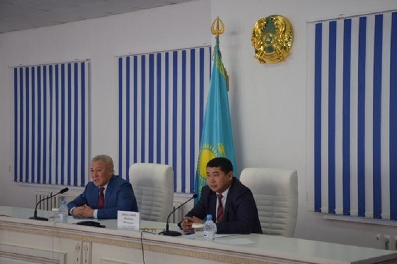 Проект очистки дна озера Шалкар обсудили в Актюбинской области